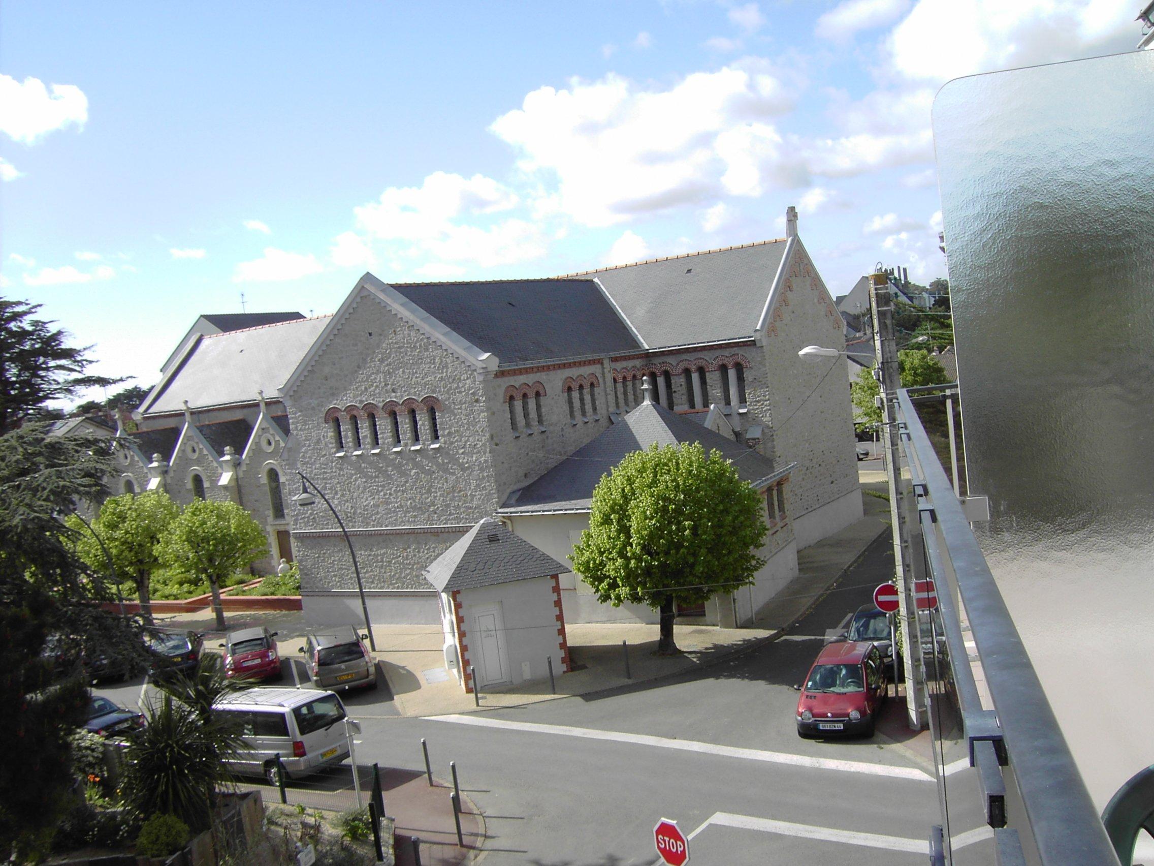 vue à droite vers la Chapelle